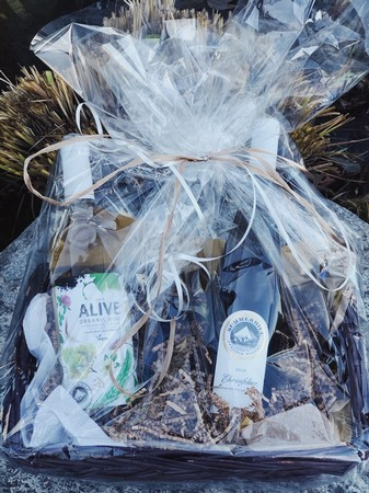 2 Bottle White Wine Gift Basket