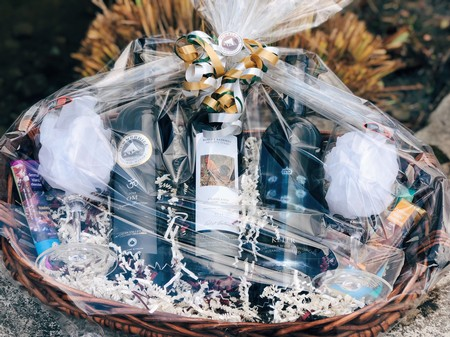 3 Bottle High End Red Gift Basket